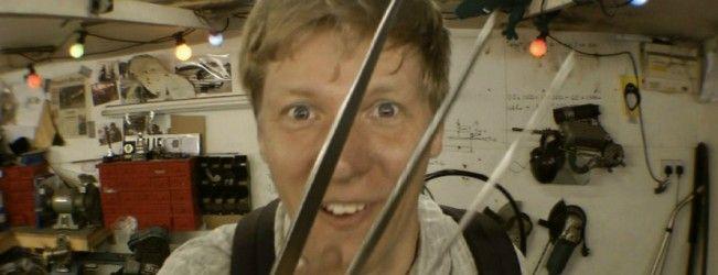 Un jeune anglais fabrique dans son garage, les griffes rétractables de #Wolverine