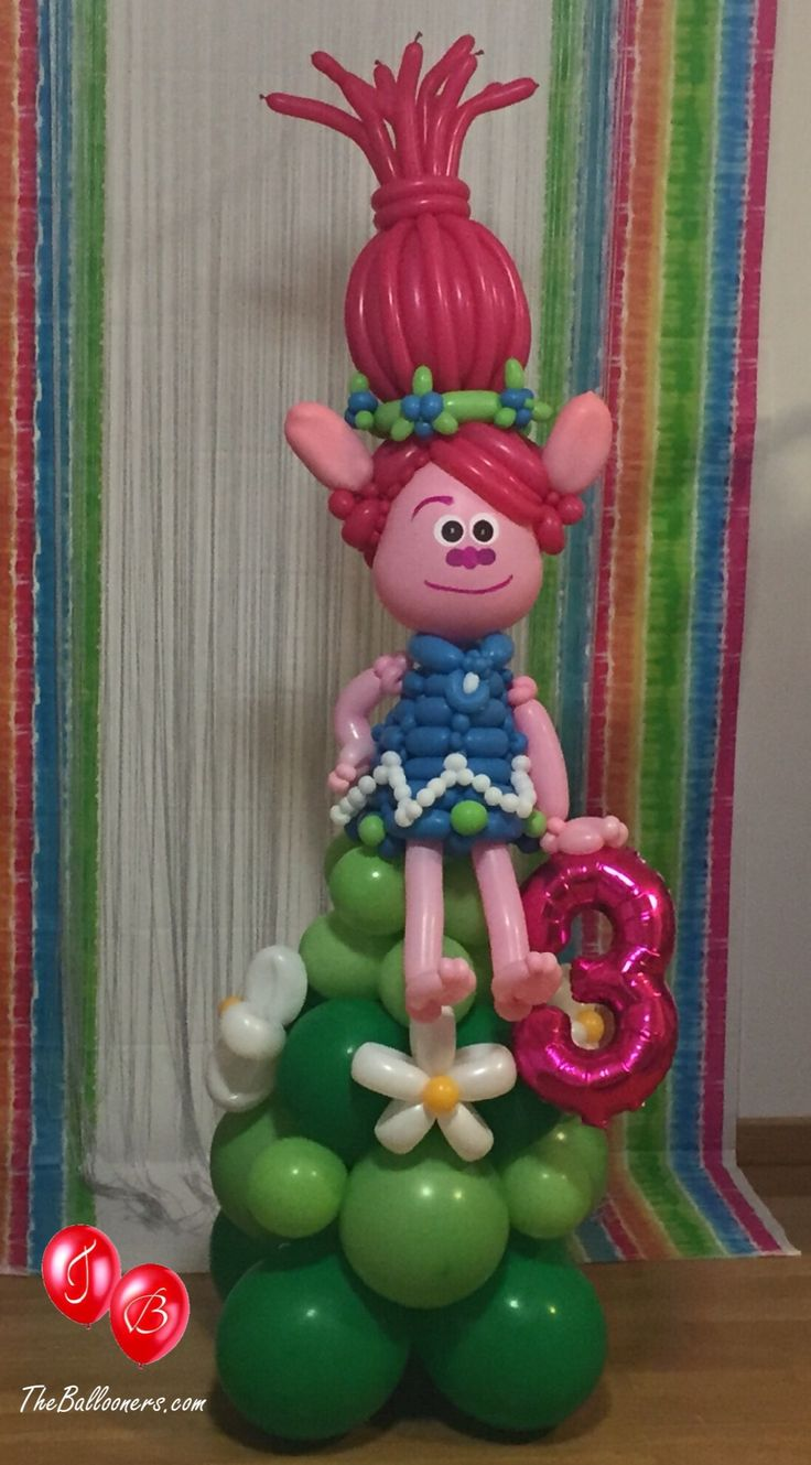 Poppy Troll balloon sculpture. The Ballooners check out out Facebook page for more amazing ideas.