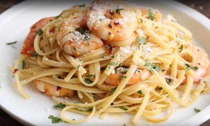 Linguine... crevettes, vin blanc et parmesan! Presque trop facile à faire...
