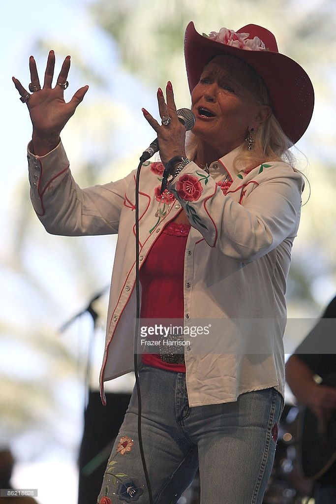Singer Lynn Anderson performs onstage during day one of California's Stagecoach Country Music Festival held at the Empire Polo Club on April 25, 2009 in Indio, California.