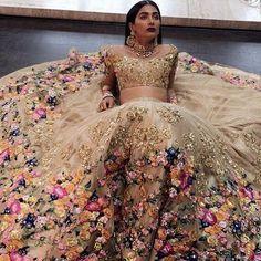 Pretty bridal inspo 🌸 **R E P O S T** @bibildn #wedding #bride #asianbride…