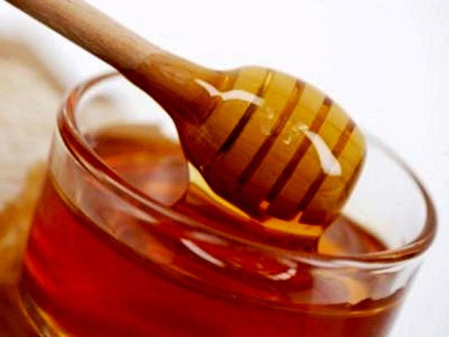 Honey for Acid Reflux - (pinning for anyone who has this problem - honey is a good thing! /bb)