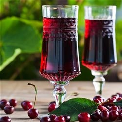 Black Cherry Merlot: A delightful blend of aromatic soft and fruity, together with fresh black cherries, makes a mouthwatering composition.