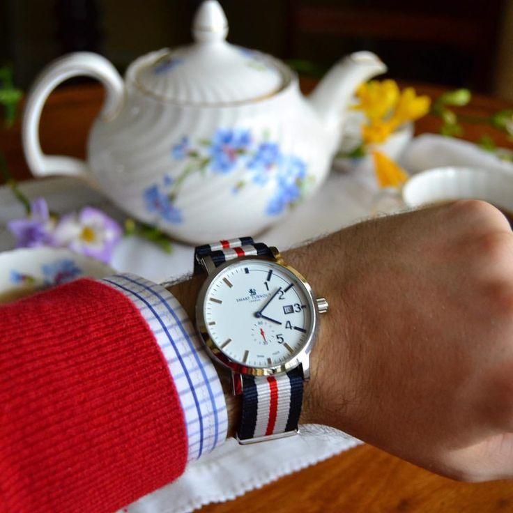 It's time for tea #watch #time #tea #teapot #british #london #style #classic #class #preppy #prepystyle #englishtea #afternoontea #teatime #smart #mnswr #smartturnout #smartturnoutlondon (at London UK)
