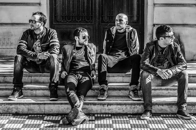 FACKASS la banda de hard rock que promete ser la revelación del 2017   Con una gira que incluye hasta el momento seis presentaciones en las localidades de Haedo Capital Federal Olavarría y Ramos Mejía; FACKASS se propone un objetivo claro para este año. Con dos años de formación la banda oriunda del noroeste de la provincia de Buenos Aires se desafía a presentar su proyecto por todo el país y ser una de las nuevas bandas con un claro potencial en el género del hard rock punk y grunge.Las…