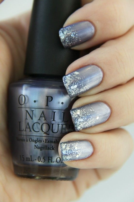 Fabulous metallic and sparkle nails! These would look great for any holiday party! :)