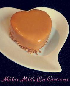 Un entremet tout en douceur et gourmandise : une couche croustillante de sablés et caramel beurre salé , une mousse poire et caramel beurre salé, le tout recouvert d'un glaçage miroir au caramel . Ici ils sont présentés en version individuelle mais il...