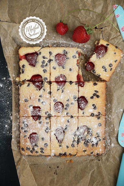 Çilekli Kek Tart - Tarifin püf noktaları, binlerce yemek tarifi ve daha fazlası...