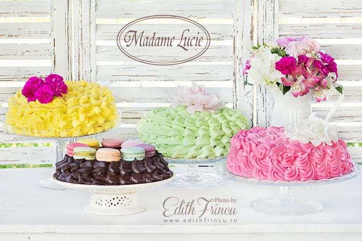 Shabby Chic Candybar and lovely cakes
