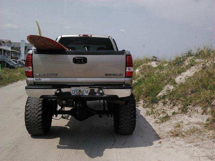 dat ass doe yall!  i love my truck :)) 8.1 AND LOUD AS FUCKK HA  #liftedchevy #liftedusa #liftedtrucks #lifted #mudtruck #trucks #chevy #2500hd #2500 #8.1 #flogrown #chevygirl #straightaxle #dana44 #liftedlife #ameliaisland #toyo #20x14 #xd #xdriot #thuglife #beach
