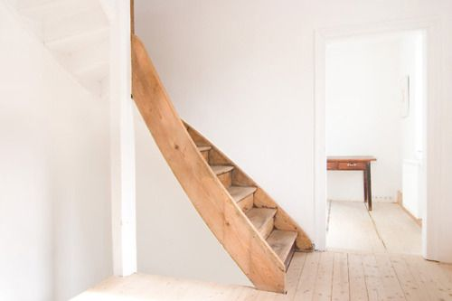 in love with the design of these stairs!