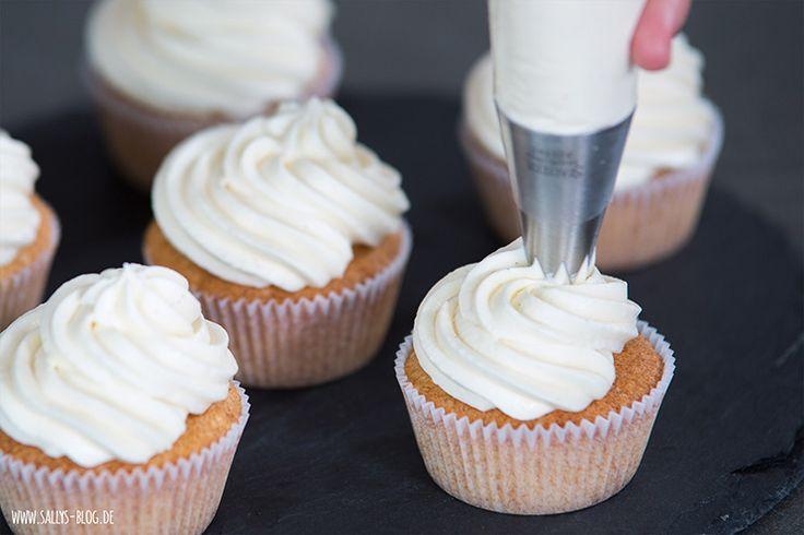 Frischkäse-Sahnecreme Grundrezept für Cupcakes oder Tortenfüllungen