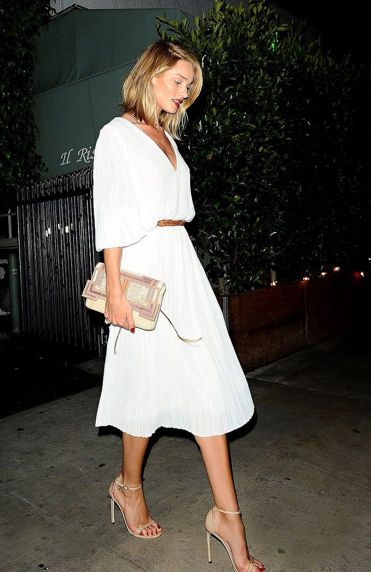 runwayandbeauty: Rosie Huntington-Whiteley goes to a restaurant with Jason, Los Angeles, April 18, 2015.