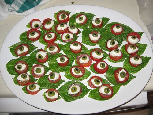 The Stir-Eyeball Caprese Appetizer Will Be the Creepiest Food at Your Halloween Party
