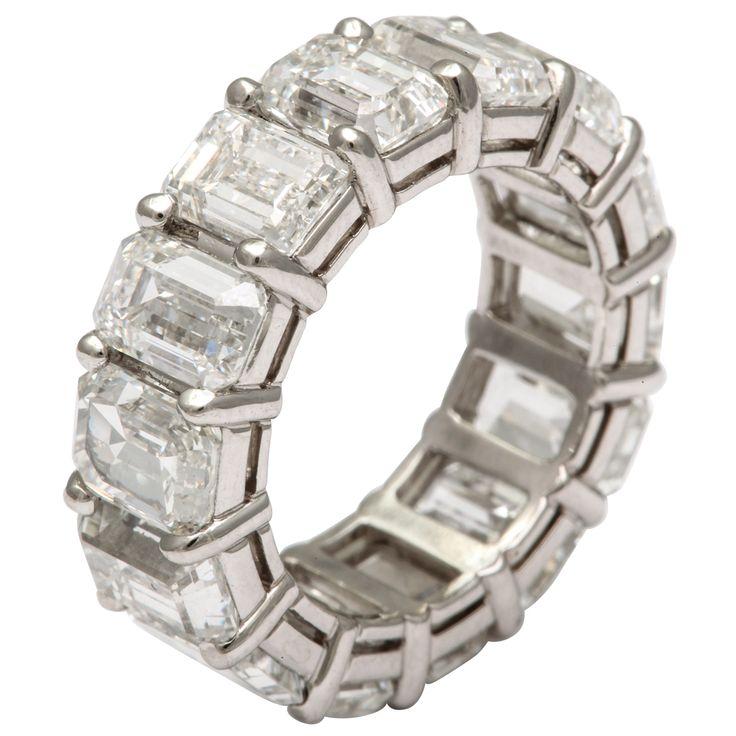 Emerald Cut Diamond Wedding Band, featuring 14 emerald-cut diamonds weighing 14.18 carats, crafted in platinum.