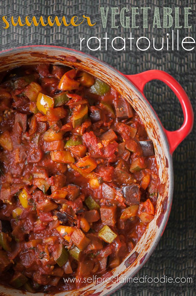 Summer Vegetable Ratatouille | Self Proclaimed Foodie - throw tons of veggies into one pot for a delicious dinner