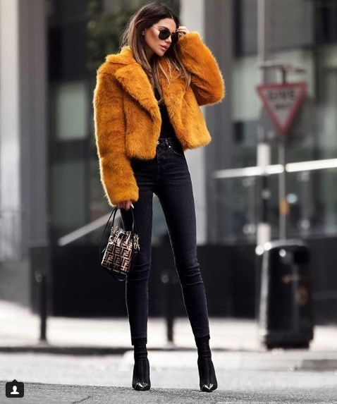 80 winter outfits which are super stylish and perfect for work. Winter outfits for work to copy#winteroutfits#
