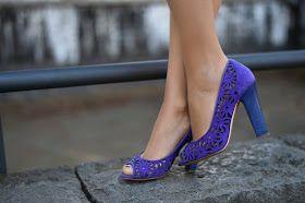 Green & Violet  http://unconventionalsecrets.blogspot.it/2017/05/greenery-violet-gucci-pollini-acireale.html  #shoes #heels #violet #purple #pollini #scarpe #viola