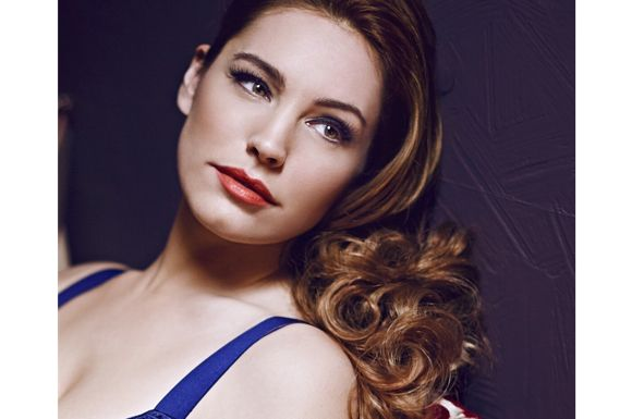 Kelly Brook hated for domestic abuse
