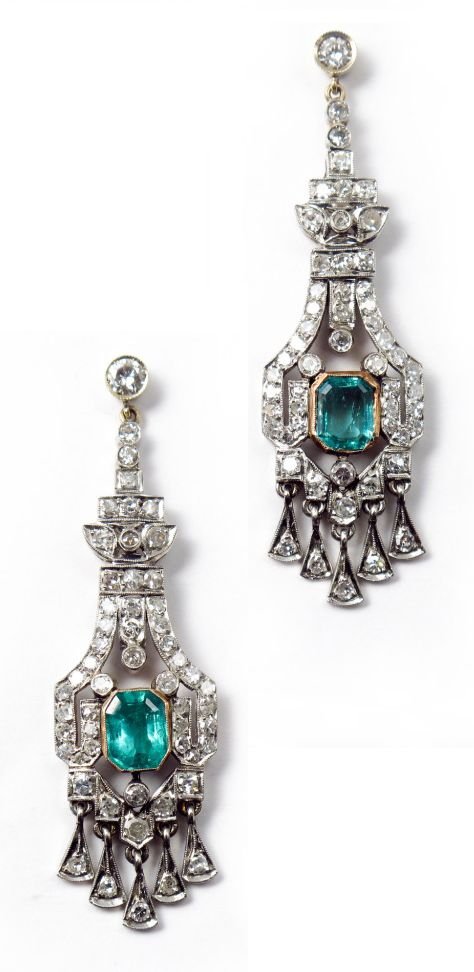 Art Deco diamond and emerald earrings. A pair of Art Deco platinum and gold ear pendants with diamonds and emeralds. Italy, 1930.