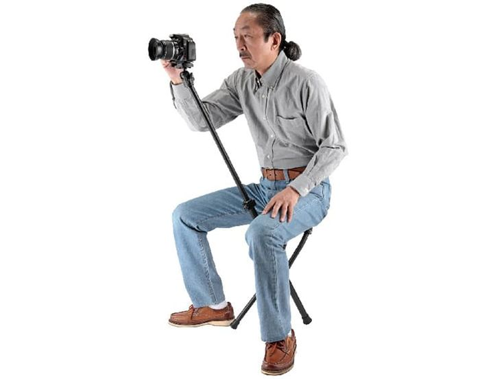 Ingenious 'Chairpod' Is a Camera Tripod with a Built-In Chair Photographers with tired legs and sore backs can rejoice thanks to the soon to be released Chairpod HY 127—a camera tripod and chair in one. Designe... http://drwong.live/weird/camera-tripod-chairpod-velbon/
