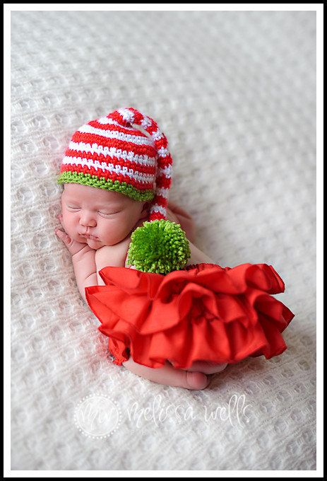 oh my!!! love this little hat...if she comes before christmas...it will be a must have!