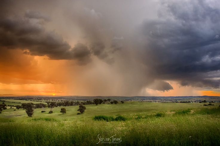 Straun Timms Photography storm through Junee NSW
