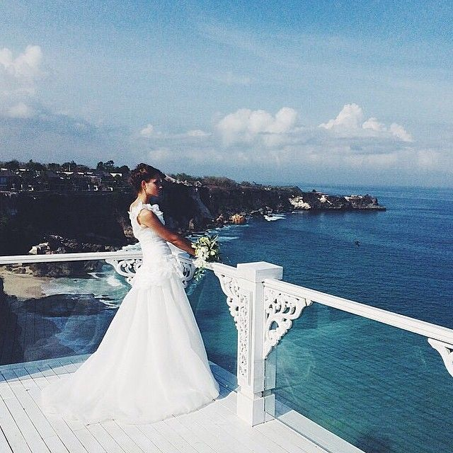 #ShareIG Regram from the #destinationwedding hotspot of the world @ayanaresort. #bali #baliwedding #weddinginspiration