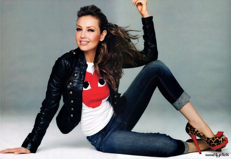 La actriz y cantante Thalía impulsa de nuevo su faceta de empresaria y estará presente en más de 300 tiendas de Estados Unidos http://indocumentadas.com/thalia-lanza-nueva-linea-de-ropa-y-accesorios/
