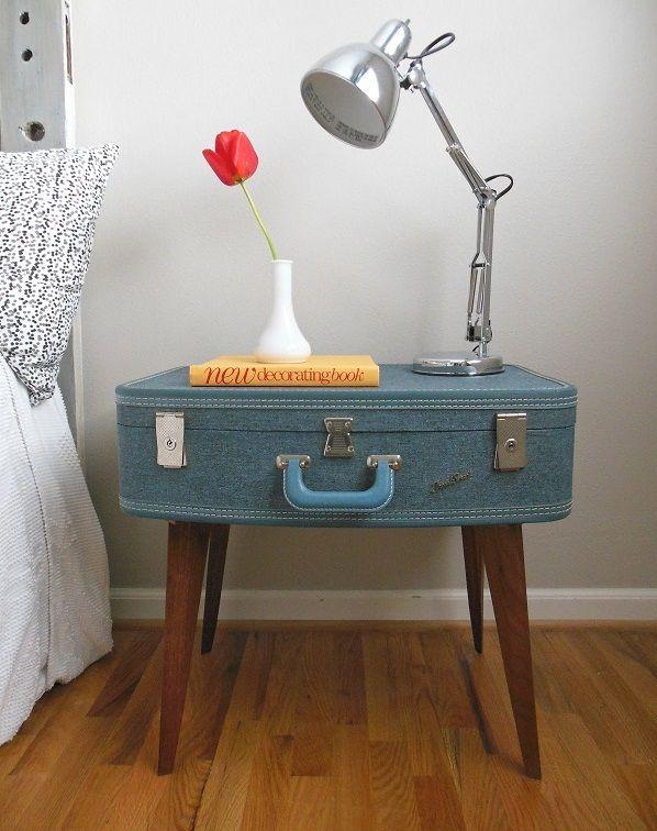 Trendy Möbel aus alten Koffern selber machen beine nachttisch blau farbe