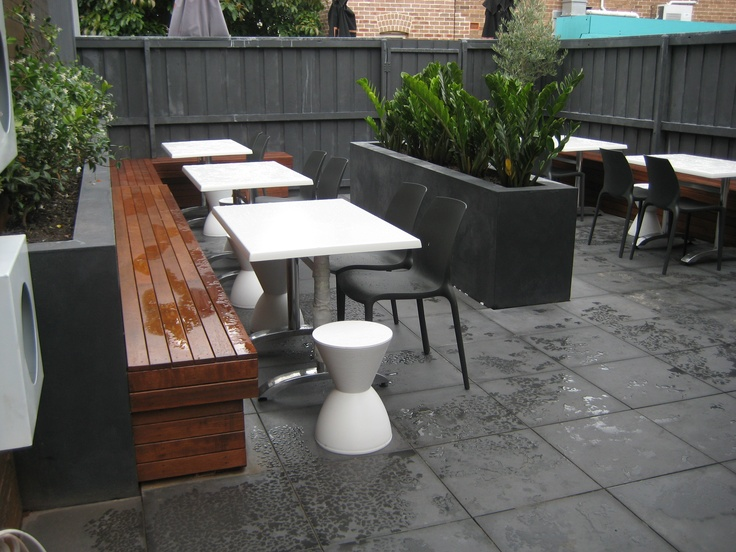 cafe courtyard chic