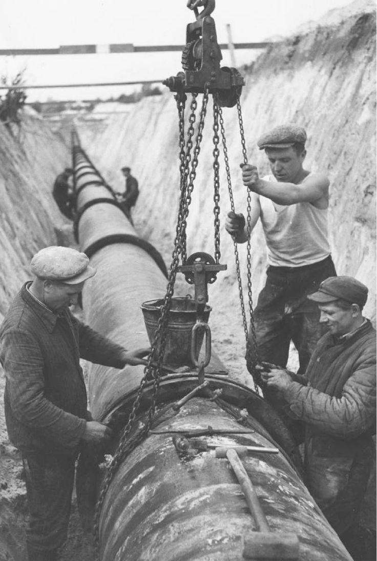 Building water supply pipe from Tomaszów Mazowiecki to Łódź.