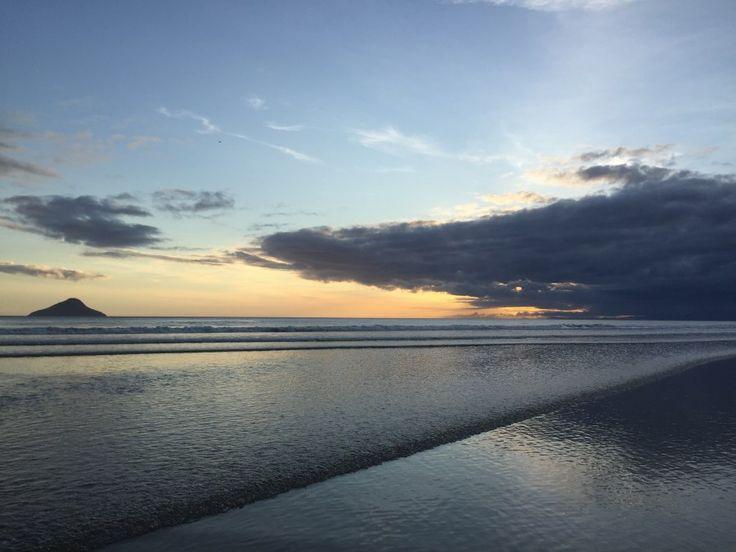 Dicas de Juquehy, uma das mais belas praias do Litoral Norte de SP. Ótimos restaurantes, doceiras, lojas legais, pousadas, hotéis, bares com música ao vivo.