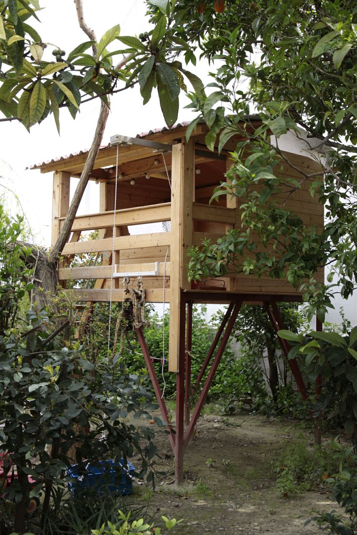 a treehouse in 9 Muses