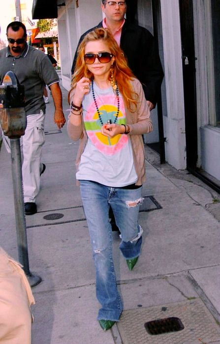 vintage shirt, comfy cardigan, ripped jeans, messy hair, sunglasses & lots of accessories...perfection!