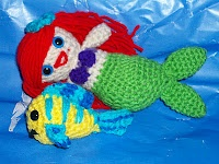 Little Mermaid Ariel and Flounder, links straight to the free crochet patterns. #amigurumi