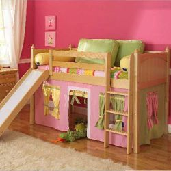 sooooo cute!! i want it for maddi: Kids Beds, Kids Furniture, Toddlers Beds, Bunk Beds, Plays Spaces, Little Girls Rooms, Low Loft Beds, Interiors Colors Schemes, Kids Rooms