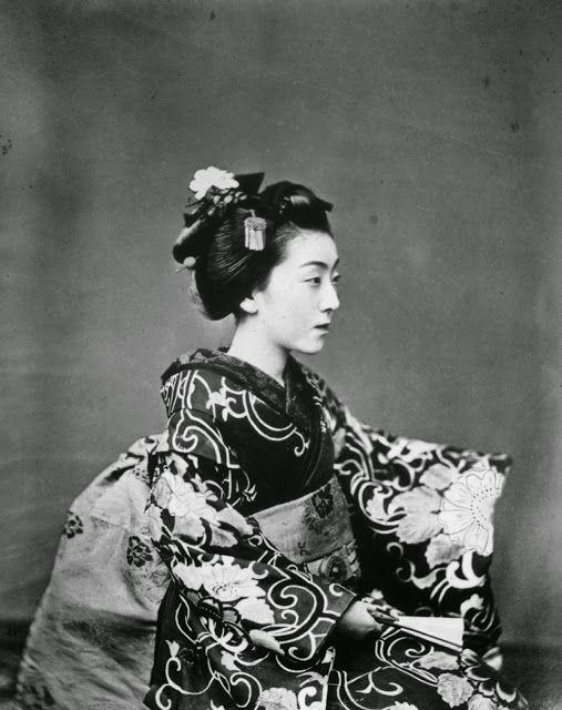 Le Prince Lointain: Felice Beato (1832-1909), Geisha - 1865