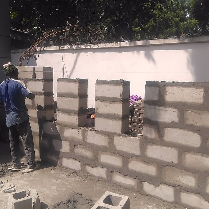 Errection of wall for the proposed waiting area at the passport office IKOYI for heritage bank. #construction #constructionworker #constructionindustry #constructionwork #heritagebank #nigerianimmigationservice #banks #bankingindustry #woodworker #woodfabrication #carpentry #carpenter