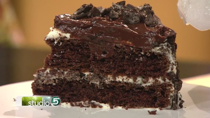 Studio 5 - Forbidden Oreo Pudding Cake