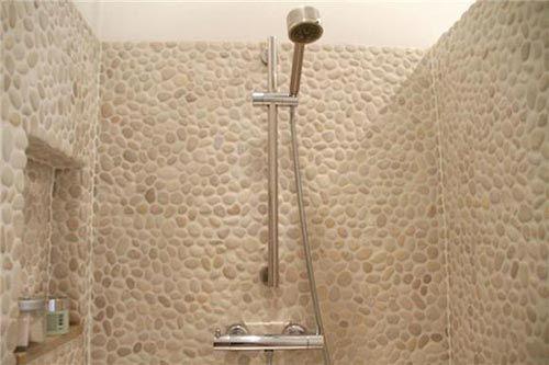 Serene badkamer met natuursteen | Interieur inrichting