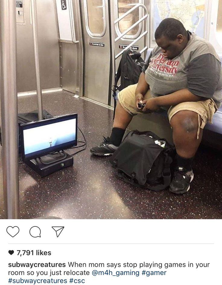 videogame    Terríveis flagrantes no metrô. Fotos inusitadas. Veja você mesmo.    Tem de tudo no trem do submundo