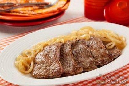 Receita de Bife acebolado especial em receitas de carnes, veja essa e outras receitas aqui!