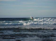 The Bubble, Fuerteventura, Espanha A praia conhecida como The Bubble na ilha de Fuerteventura, é um dos melhores pontos para surfar no arquipélago das Canárias, com ondas que formam tubos perfeitos. Nos finais de semana e durante a temporada alta, a disputa entre surfistas para conseguir pegar essas ondas clássicas é grande Foto: Gnomeza/Flickr