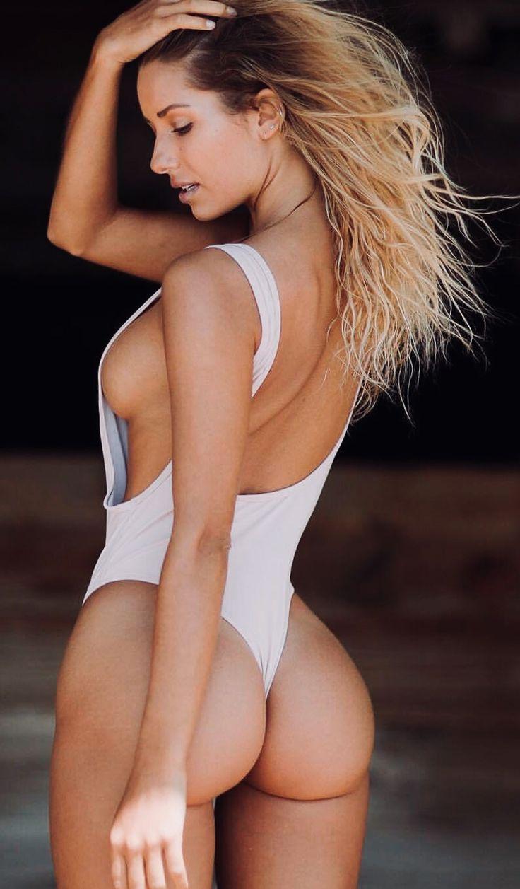 Bikini blonde bombshells