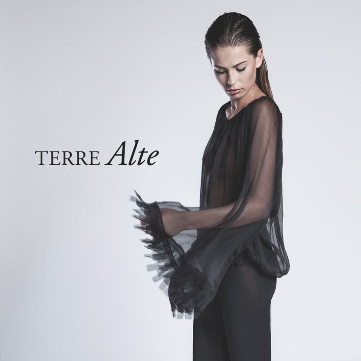#SS15 #terrealtestyle #handmade #madeinitaly #luxury #knitwear #clothes #fashion #style Transparencies for a glamorous night