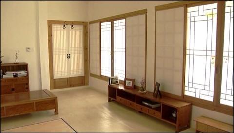 한옥 안채...편안함이 절로 느겨지는 공간이다  http://blog.naver.com/vaid/140166370765