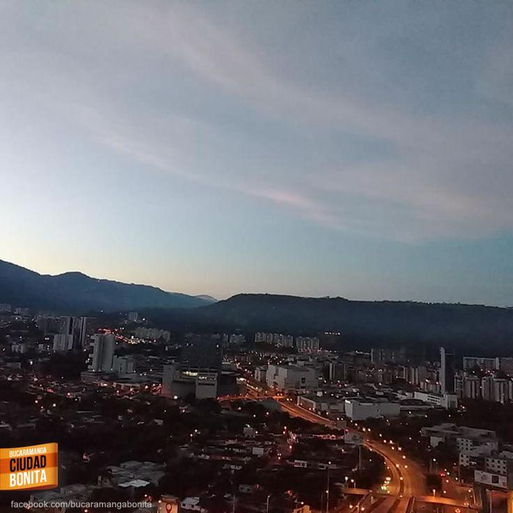 Nada más hermoso que amanecer en esta hermosa ciudad, amanecer en Bucaramanga. Gracias Mao Molina (facebook.com/mao.molinna) por la foto #bucaramangabonita