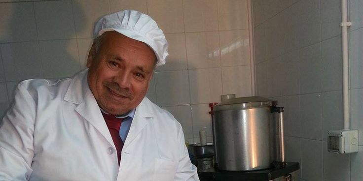 It was 1992 when Vincenzo, 31 years old, decided to stop his monotonous job as a truck driver and start a new venture following his passion for cooking. He had always been curious in the kitchen and, when not on the road, spent time cooking typical Sicilian recipes. Vincenzo is a caring man, putting passion and paying attention to details in whatever he does. You can see this from the way he fixes his tie before putting on a white coat and moving to his large kitchen. For the last 24 years…