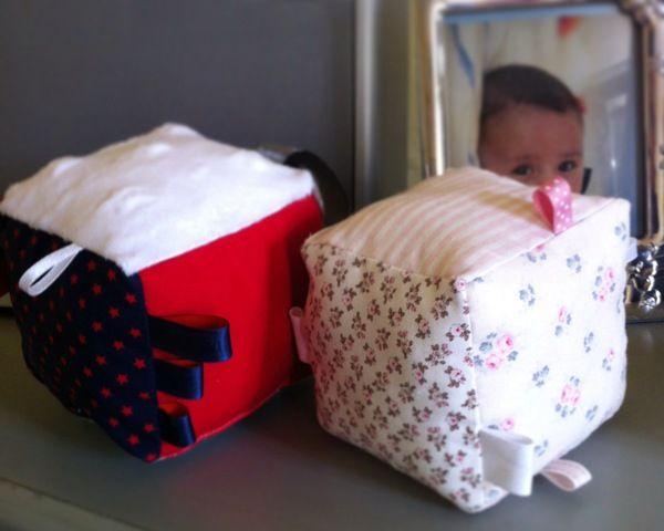 Tuto pour coudre un cube d'éveil pour bébé